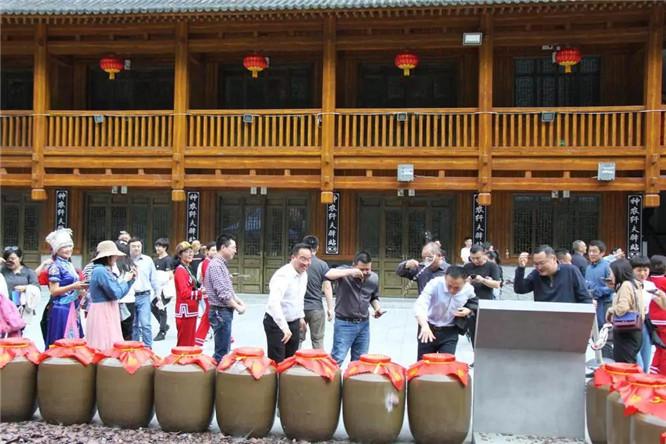 神农溪纤夫文化走廊 (3)